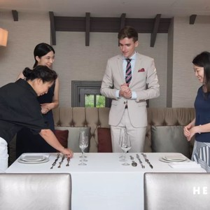 Learn Michelin restaurants' table setting rules