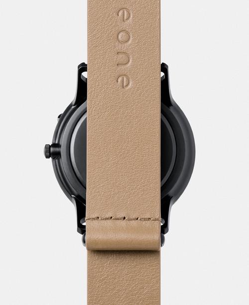 EONE 新款APEX系列 APEX-L-SAND 陶瓷表盘浅棕色皮带 触感设计腕表