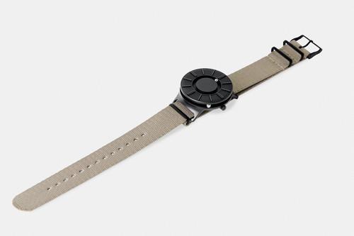 EONE 新款APEX系列 APEX-N-BEIGE 陶瓷表盘尼龙编织皮带 触感设计腕表