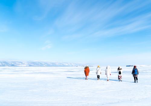 贝加尔湖 8日 | 置身静谧梦幻蓝,感受信仰冲击,狗拉雪橇带你飞
