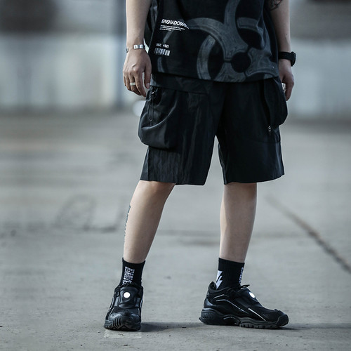 ENSHADOWER隐蔽者新品金属光感拼接短裤男潮流工装多口袋五分裤子