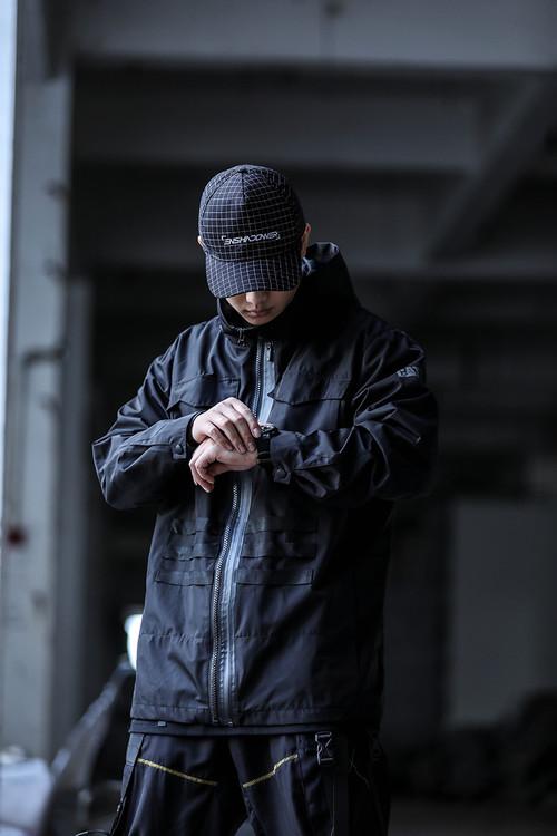 ENSHADOWER隐蔽者xCAT联名不规则裁片织带功能工装夹克男