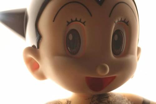 九纹龙阿童木 雕塑