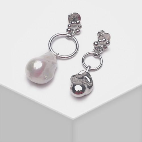 EH63580-E146天然珍珠不对称耳环