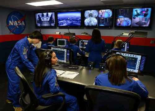 入驻NASA太空基地_体验宇航员失重之感_在美国国家宇航局探索航天科技_闻韶特色STEAM